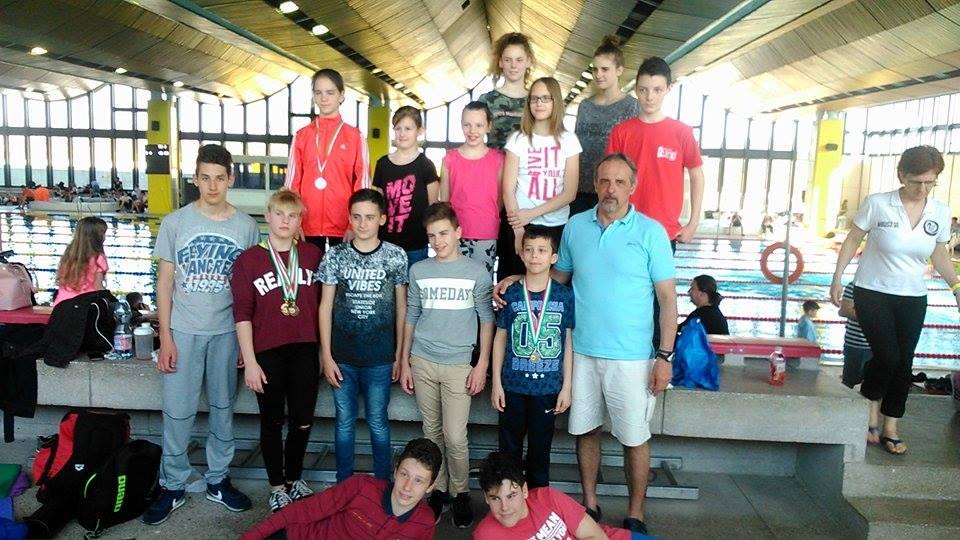 Úszóverseny Szombathelyen