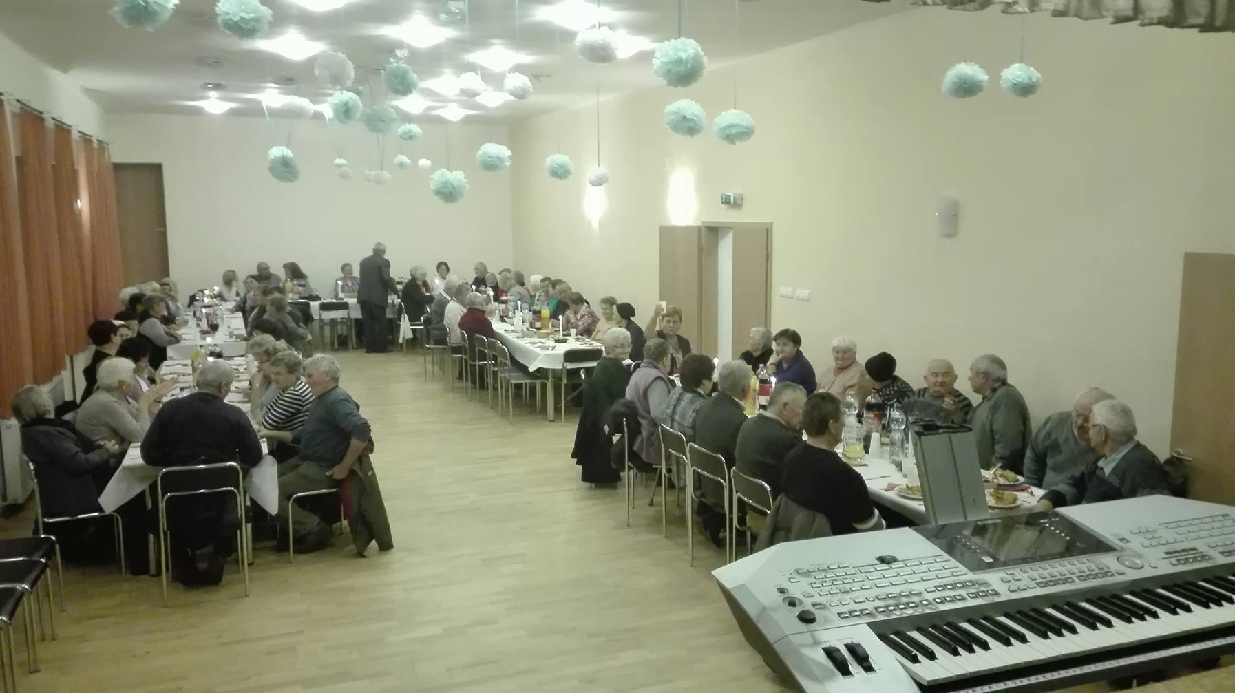 Az időseket ünnepelték Molnáriban