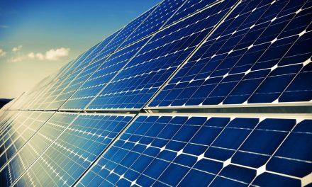 A veszélyhelyzet alatt is bekapcsolja az E.ON háztartási napelemrendszereket