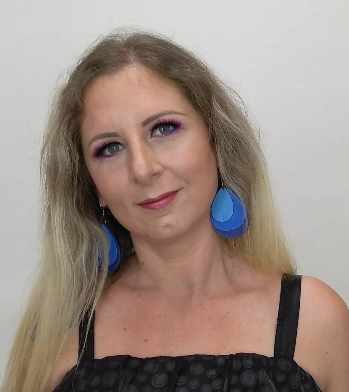Szabó Erika, költő-Új kötet hamarosan