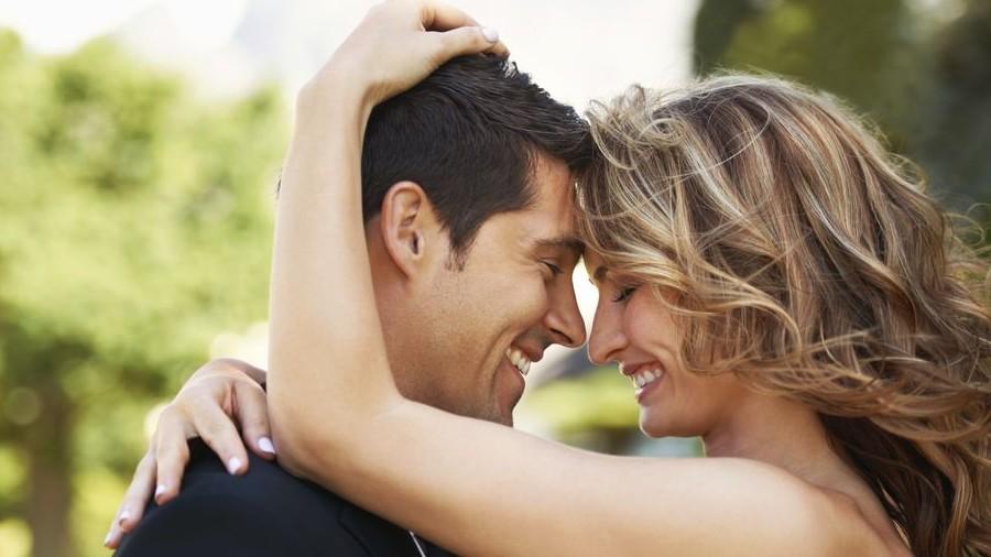 A párkapcsolat boldogságát és tartósságát befolyásoló tényezők