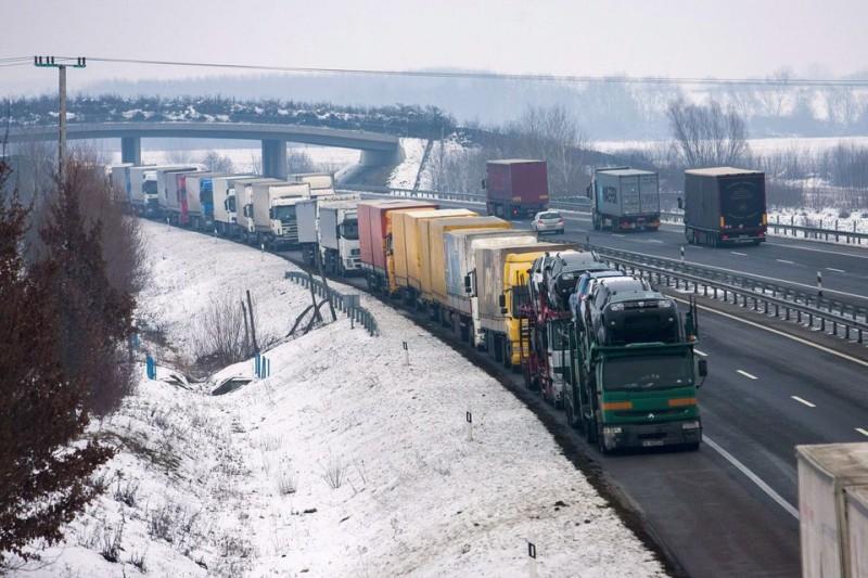 Havazás – Ismét áthaladhatnak a kamionok a letenyei határátkelőn